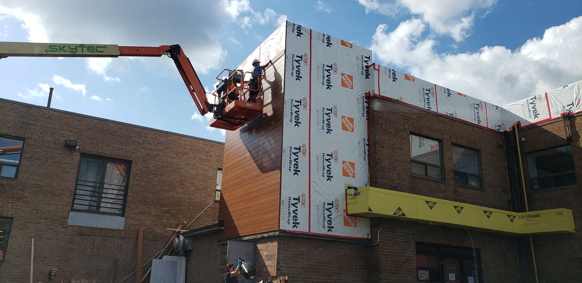 ACM Panels Luxclad Metal Cladding in Richmond Hill